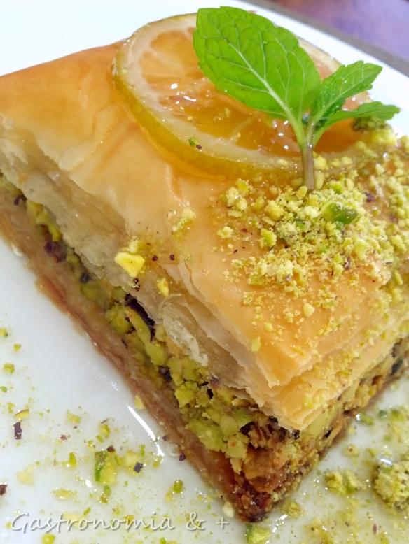 Baklava de pistache: preparada na hora, vem morna e muito crocante
