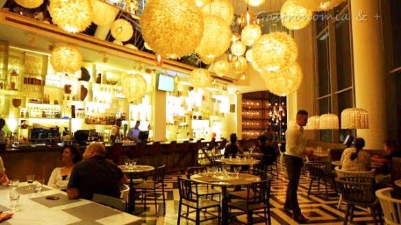 Espaço ultra moderno e aconchegante do Coco Lounge