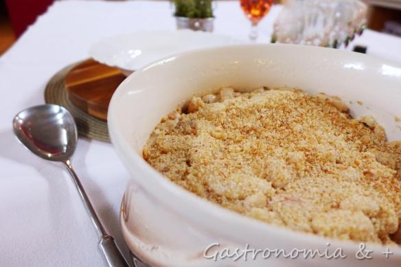 Por baixo desta casquinha dourada e crocante um dos pratos mais saborosos e reconfortantes... Como colo de mãe!